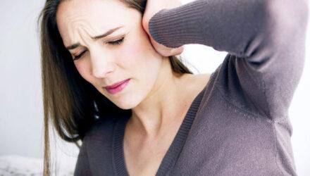 Стоит ли обращаться к врачу, если закладывает уши?