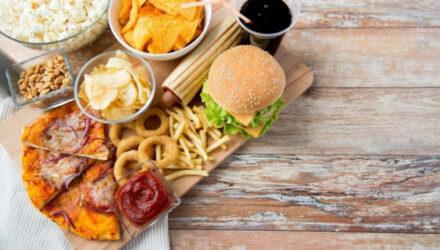 Список продуктов, сокращающих жизнь, или от чего лучше отказаться после 50